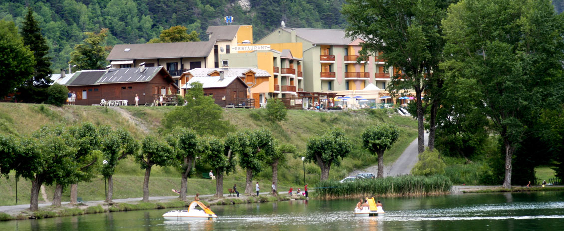 Accommodation in Hotel *** at 500 meters from our base of white water